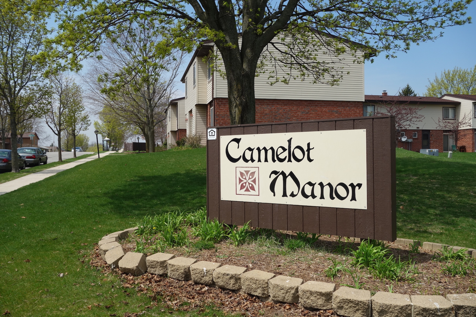 Camelot Manor 01
